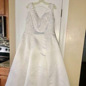 David's Bridal 9N8578 Wedding Dress